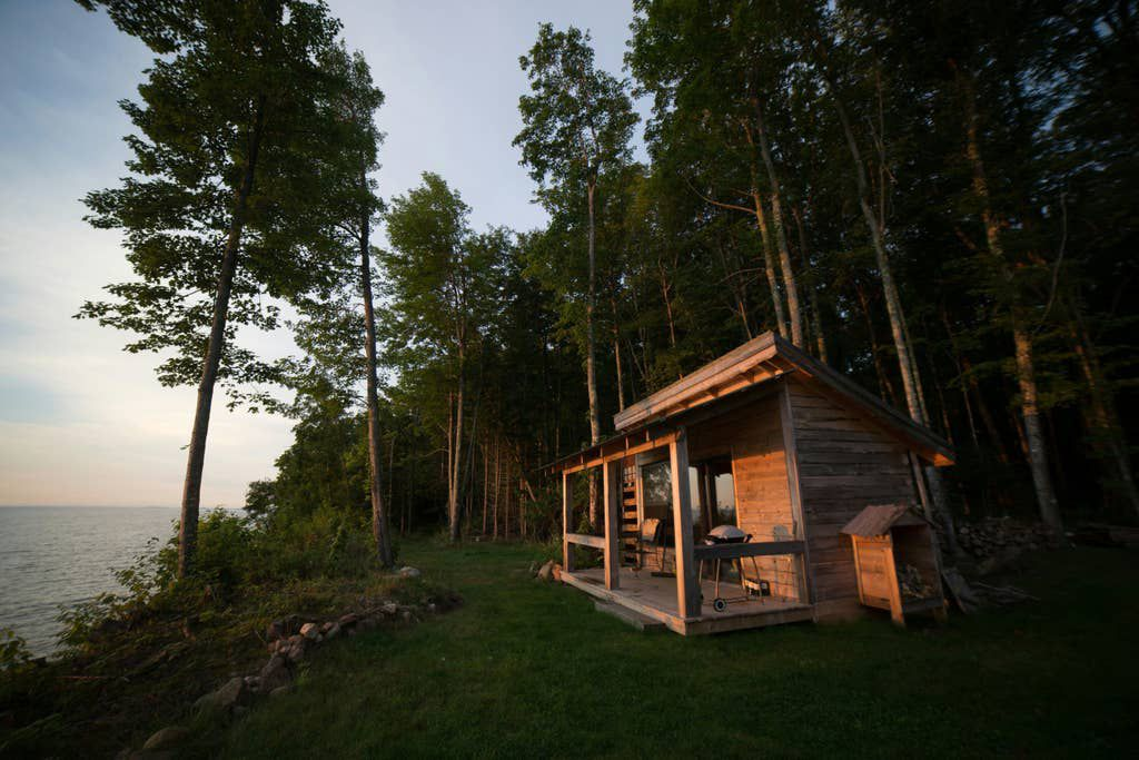 Vacation Rentals 7 Serene Lake Houses To Rent This Summer