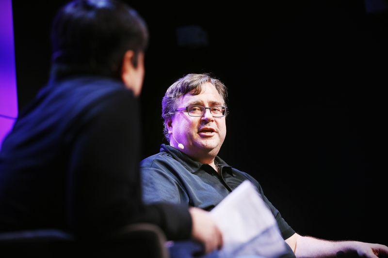 Reid Hoffman sur scène au Festival WIRED25 le 13 octobre 2018 à San Francisco, Californie.