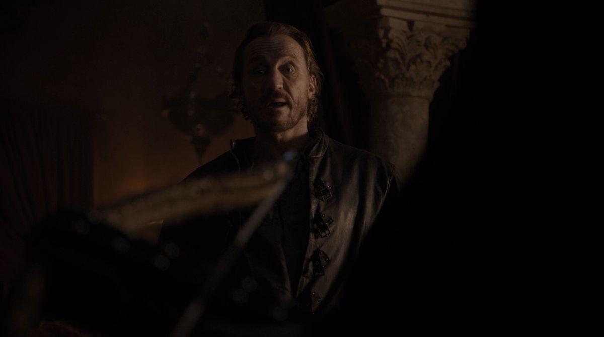 Game of Thrones S08E01 Bronn crossbow