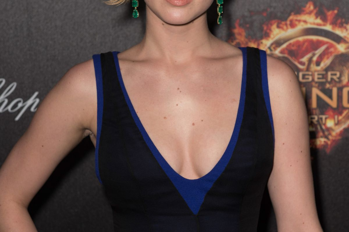 Jennifer Lawrence Discusses Her Stolen Nude Photos, Dating