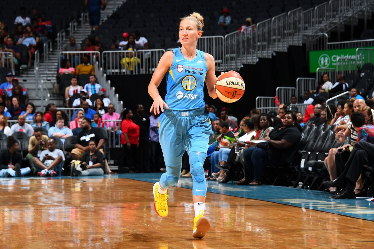 Courtney Vandersloot pledges loyalty to Sky: 'I'm Chicago for life'
