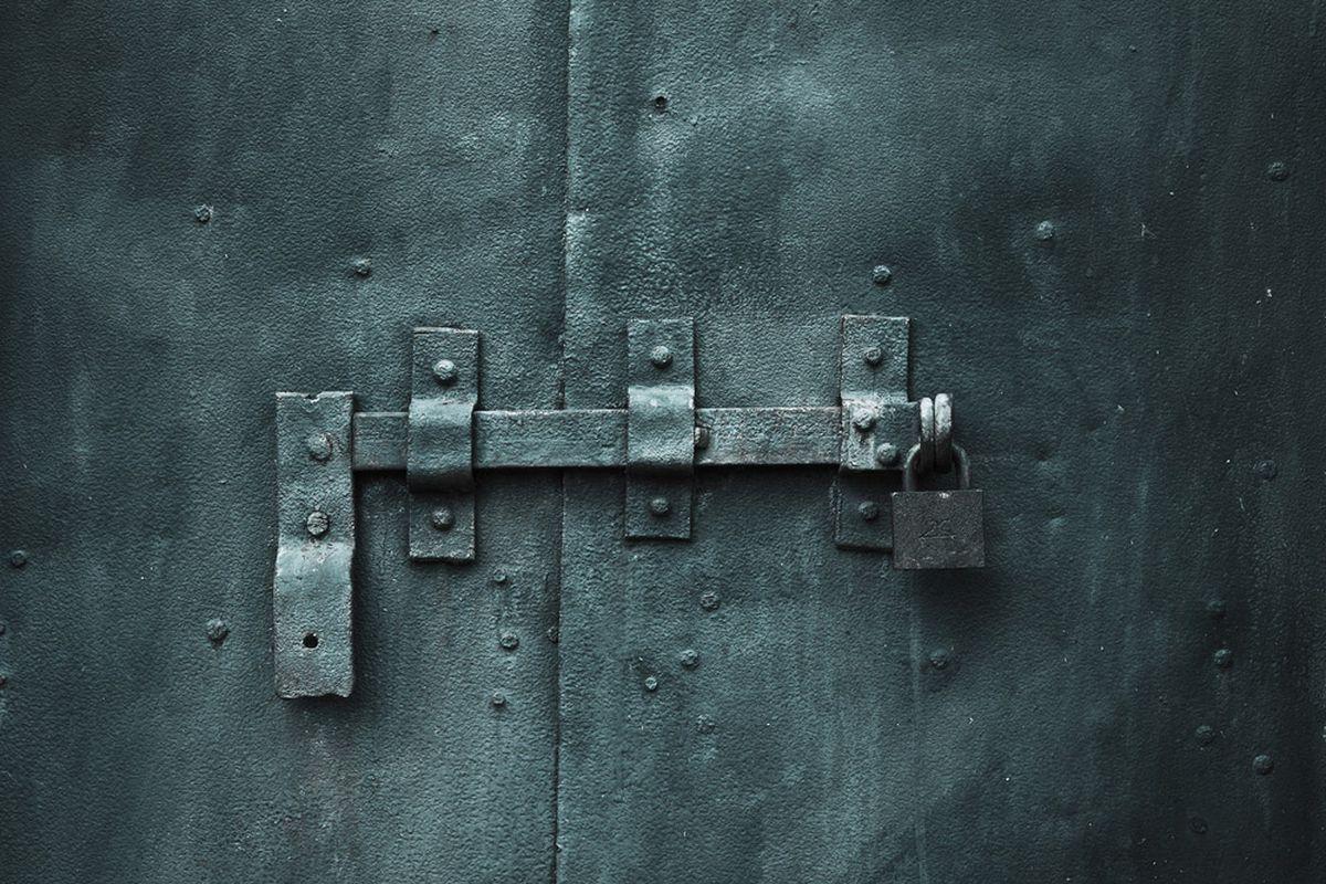 door lock (shutterstock)