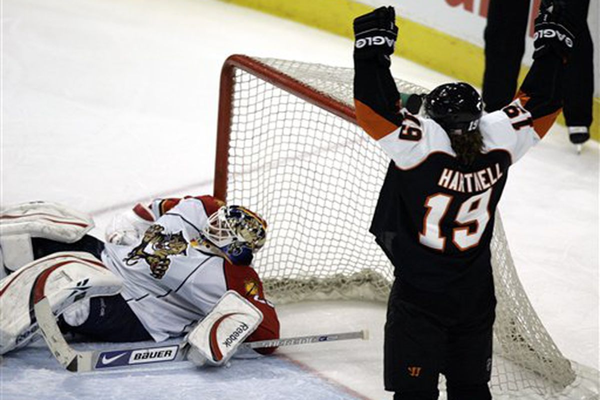 """Scott Hartnell during the Flyers' playoff clinching win over Florida last April.  Photo via <a href=""""http://cdn0.sbnation.com/photo_images/18113/44905_Panthers_Flyers_Hockey.jpg"""">cdn0.sbnation.com</a>"""