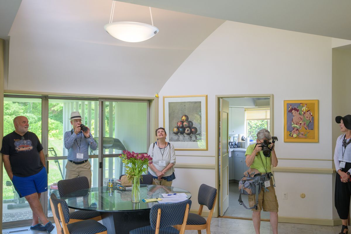 Living in a Robert Venturi house - Curbed on