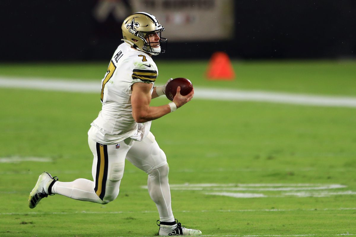 Taysom Hill #7 of the New Orleans Saints runs with the ball during the first half against the Tampa Bay Buccaneers at Raymond James Stadium on November 08, 2020 in Tampa, Florida.