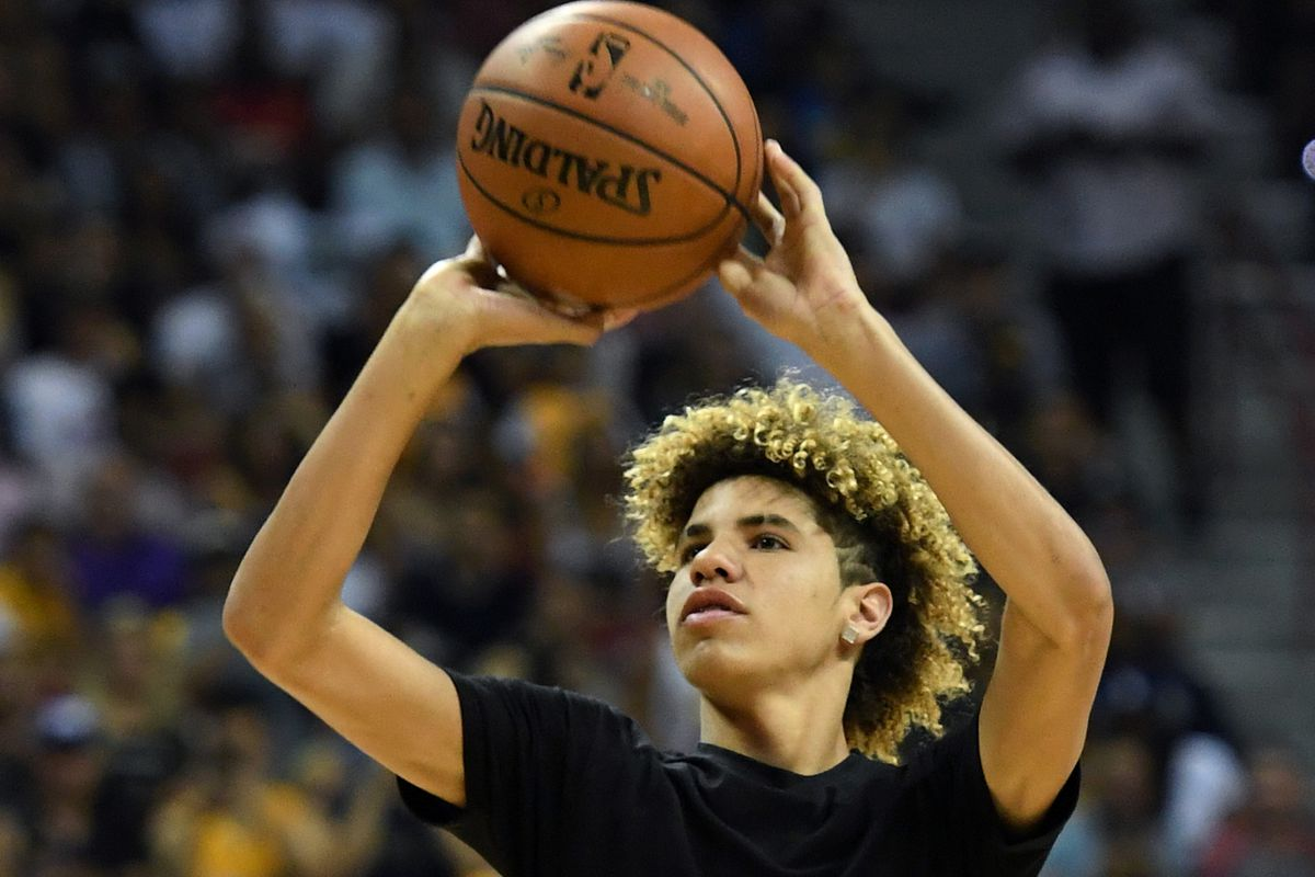 Lonzo Ball Hd Pictures >> LaMelo Ball literally shot better than Lonzo Ball in Lonzo's Lakers debut - Silver Screen and Roll