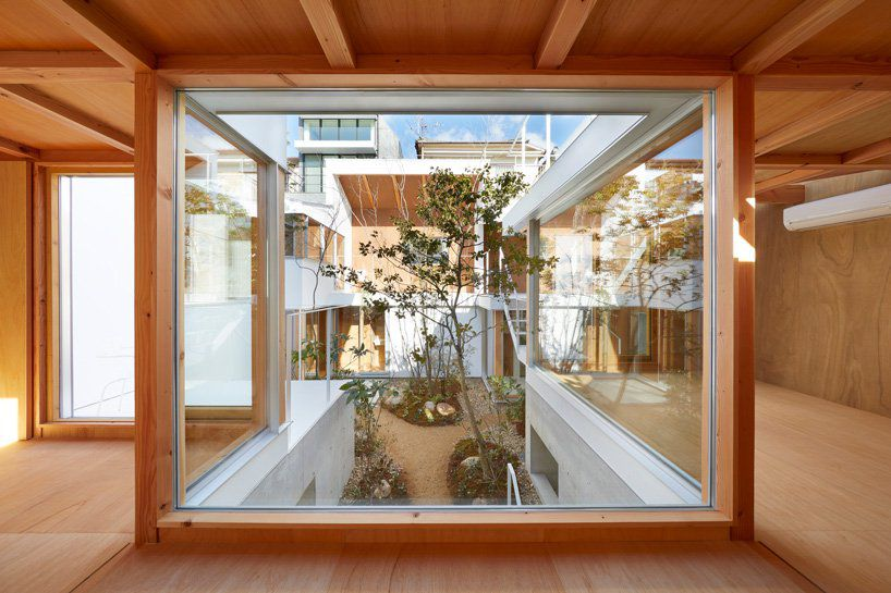 Modern Japanese House With Courtyard Wins At Indoor Outdoor