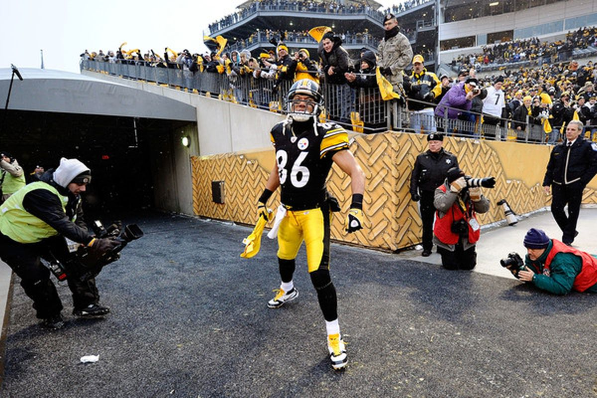 PITTSBURGH PA - DECEMBER 19:  Hines Ward #86 of the Pittsburgh Steelers enters the stadium before the game against the New York Jets at Heinz Field on December 19 2010 in Pittsburgh Pennsylvania.  (Photo by Karl Walter/Getty Images)