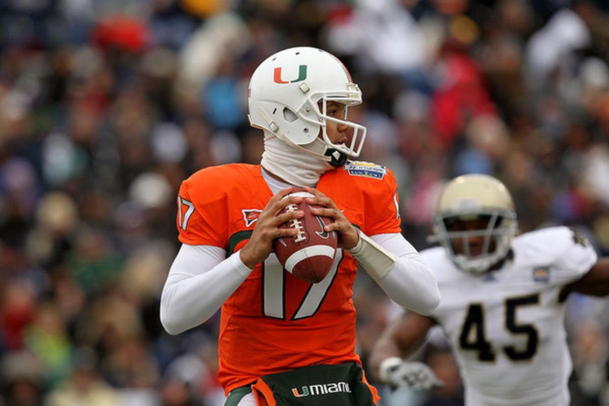 EL PASO TX - DECEMBER 30:  Quarterback Stephen Morris #17 of the Miami Hurricanes throws against the Notre Dame Fighting Irish at Sun Bowl on December 30 2010 in El Paso Texas.  (Photo by Ronald Martinez/Getty Images)