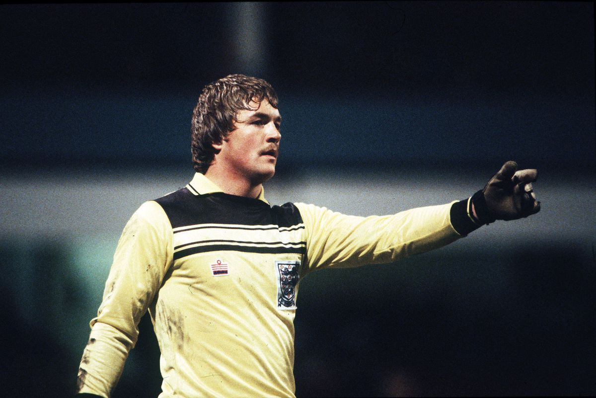 Sport. Football. pic: 7th April 1982. Under 21 International. England 2. v Poland 2. Iain Hesford, England (and Blackpool).