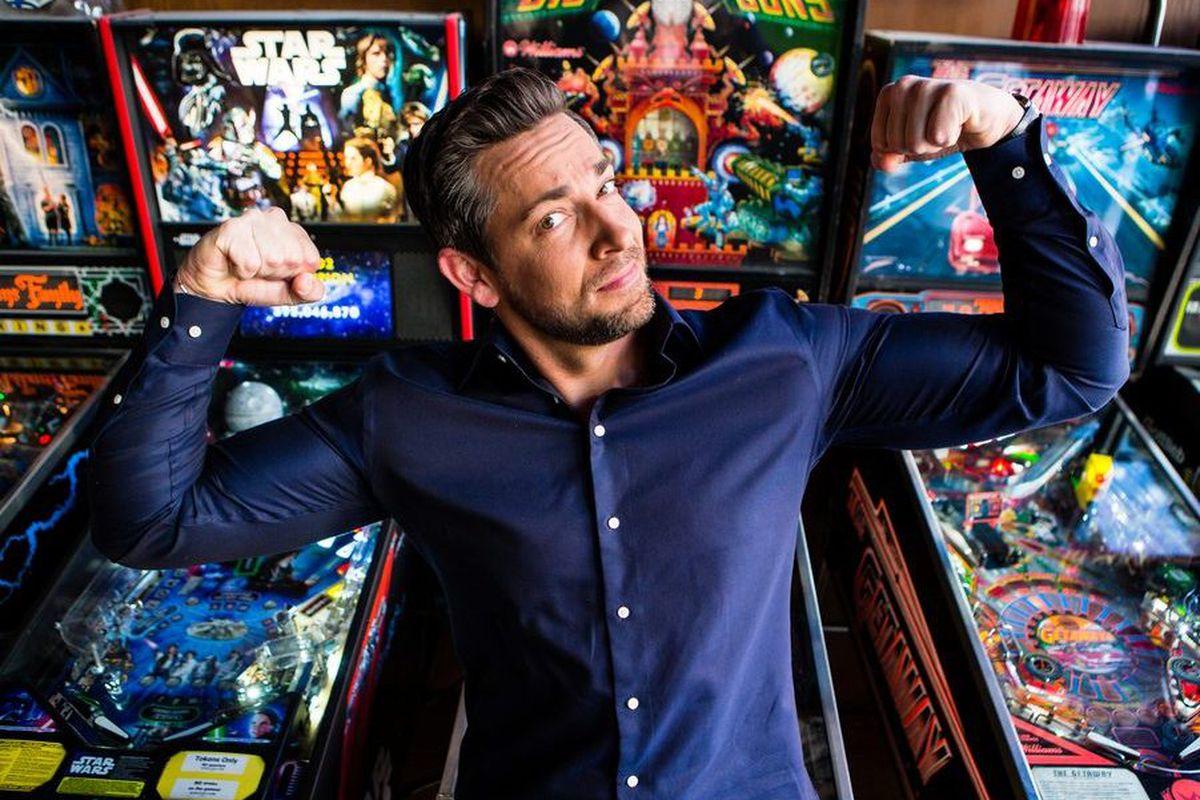 'Shazam!' the magic word to fulfill Zachary Levi's superhero dreams