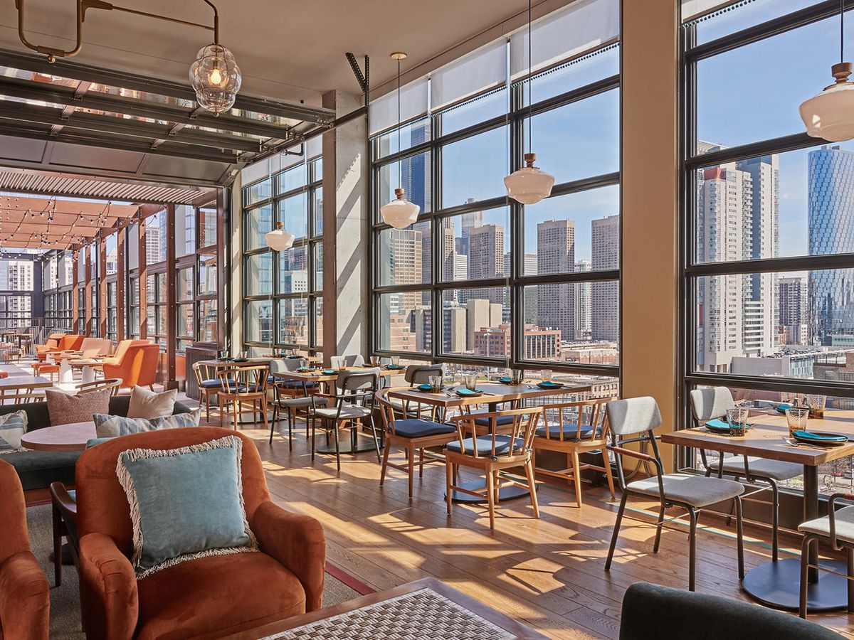 The 15 Hottest Rooftop Bars And Terraces In Chicago Right