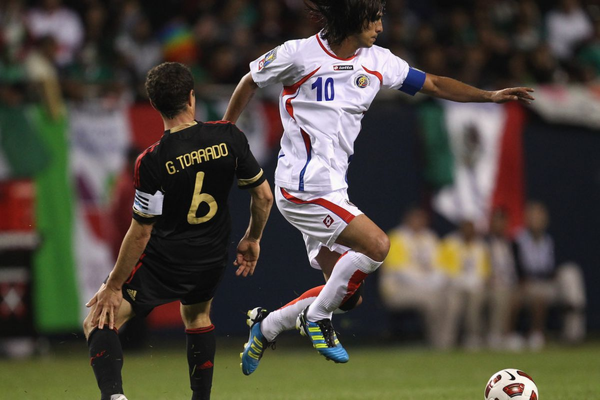Bryan Ruiz and his gorgeous hair flowing in the wind.