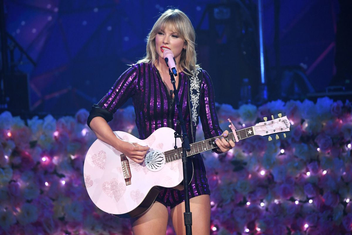 Taylor Swift, Dua Lipa, SZA And Becky G Perform at The Prime Day Concert, Presented by Amazon Music