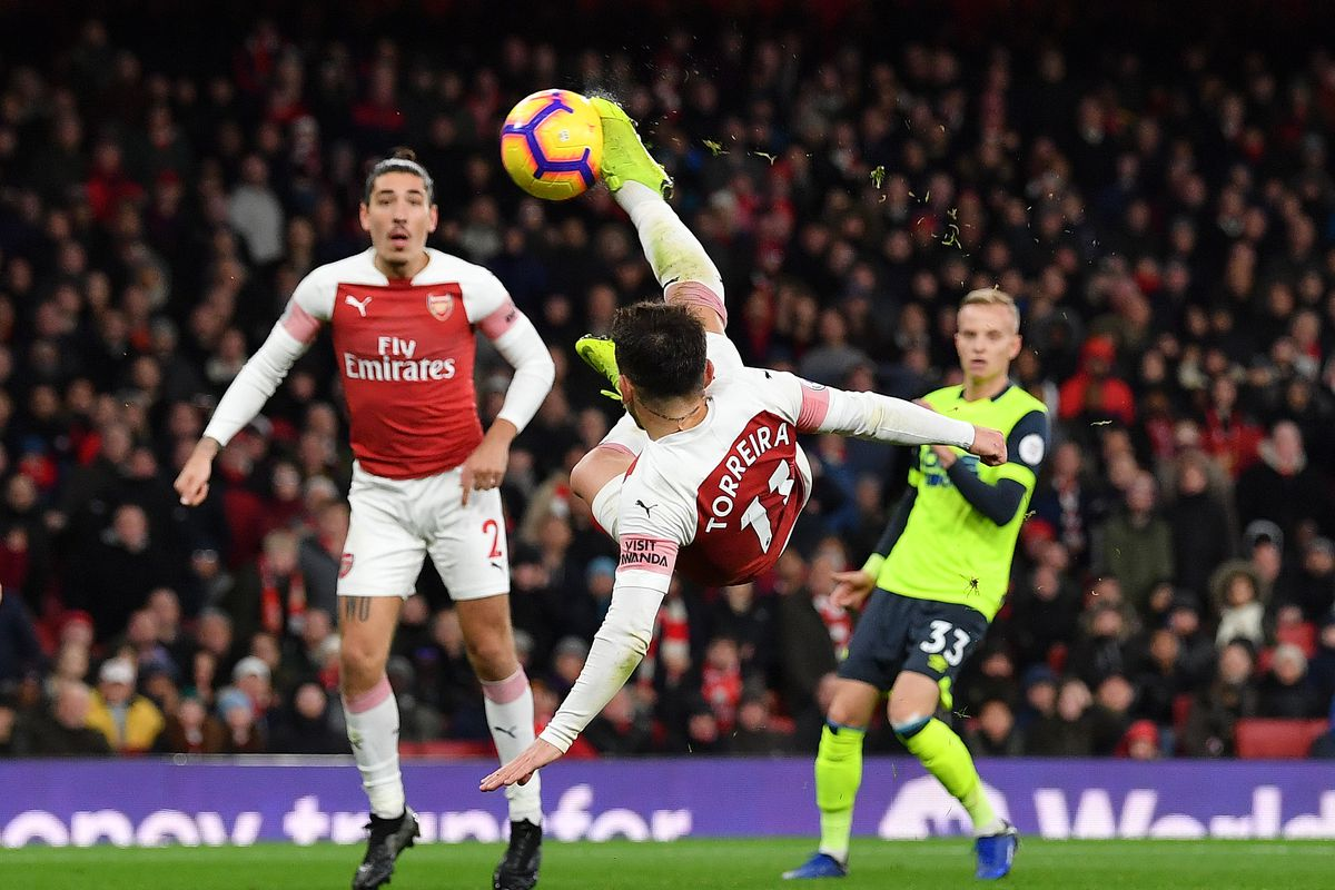 Arsenal FC v Huddersfield Town - Premier League