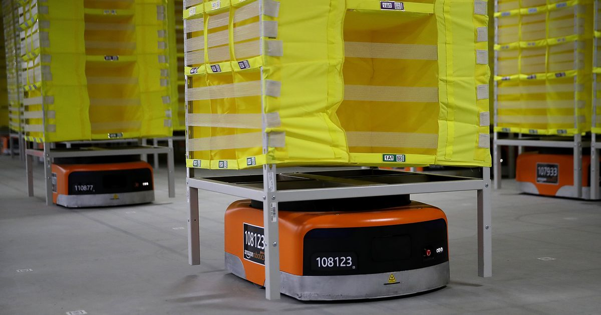 Amazon says fully automated shipping warehouses are at least a decade away thumbnail
