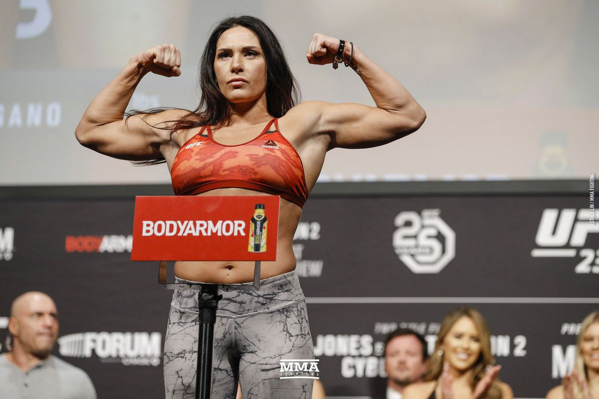 Former title contender Cat Zingano released from the UFC
