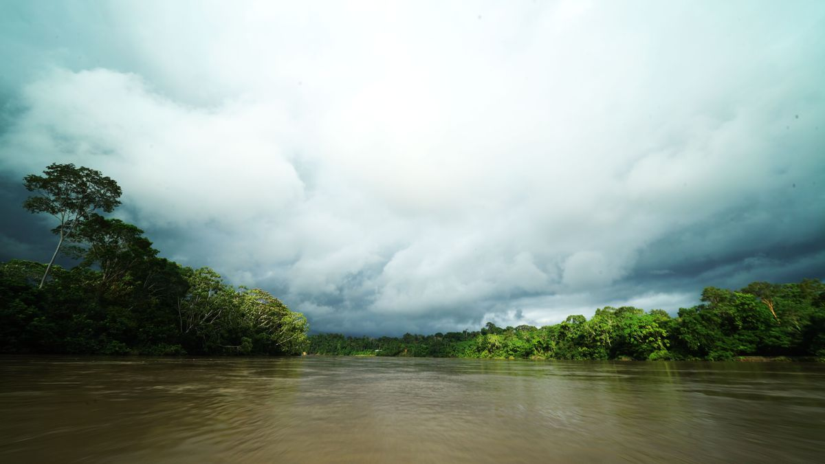 A view of the murky Zabalo River.