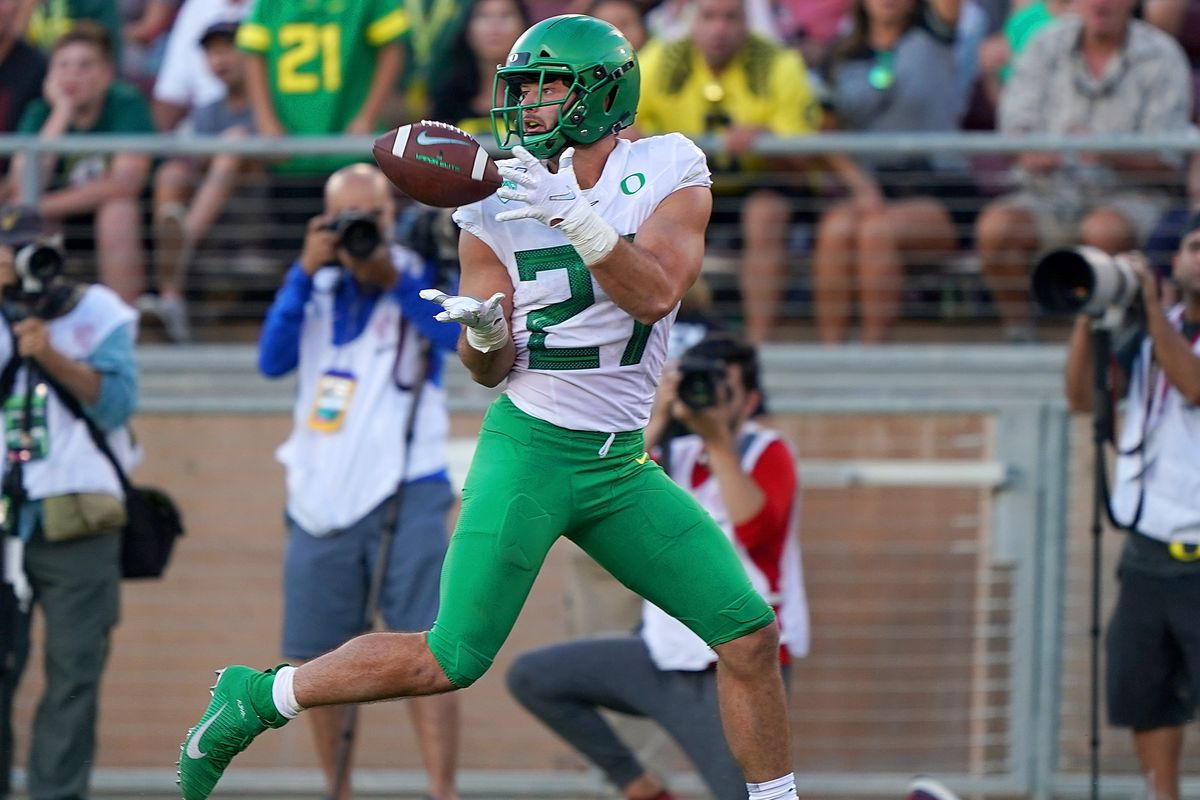 Oregon Opens Conference Play with Victory, Ducks 21 - Cardinal 6