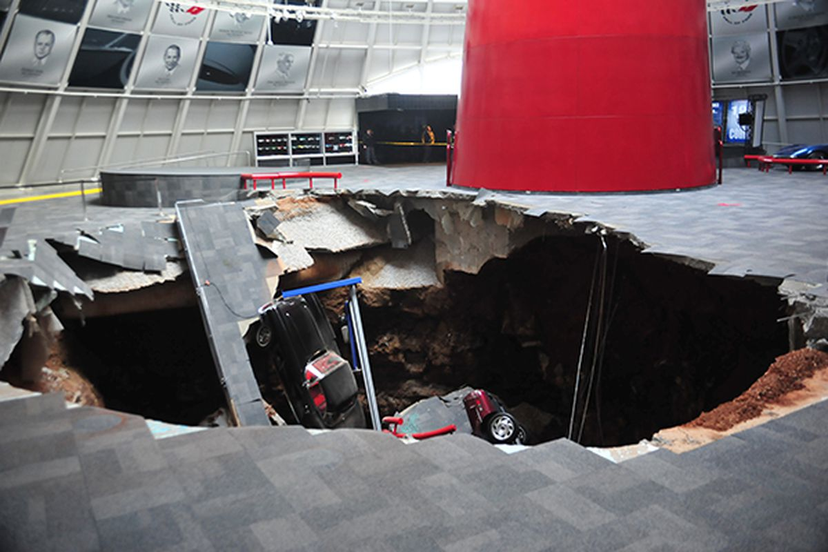 National Corvette Museum >> Eight Vintage Corvettes Swallowed By 40 Foot Sinkhole Inside