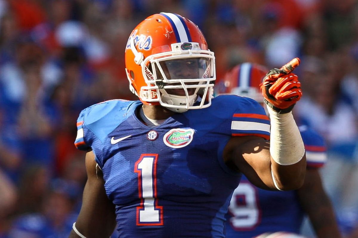 Bostic trades in this blue for a darker shade.