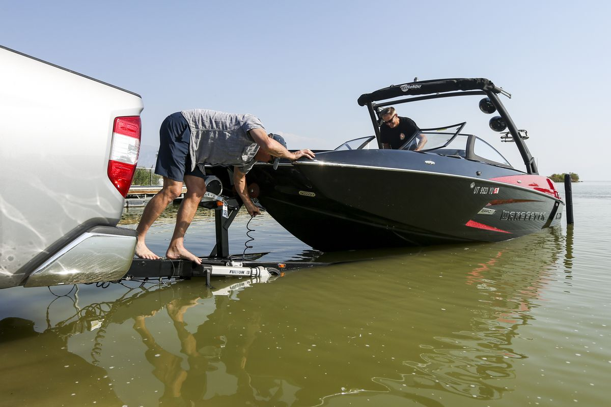 Utah Lake now under shore-to-shore warning for toxic algal blooms