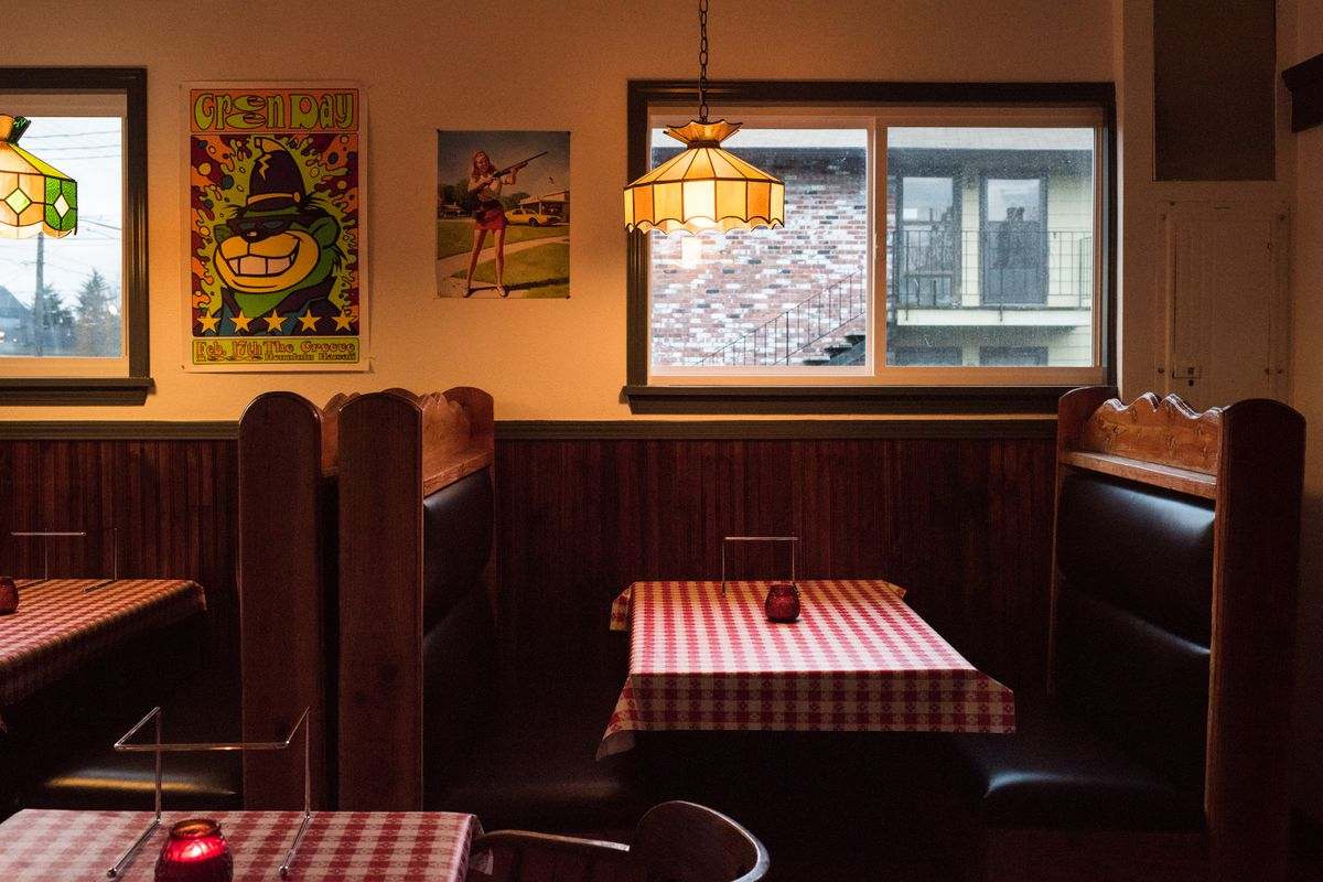 Pizza Jerk's Forgetaboutit-Classy Red Checkered Interior Revealed