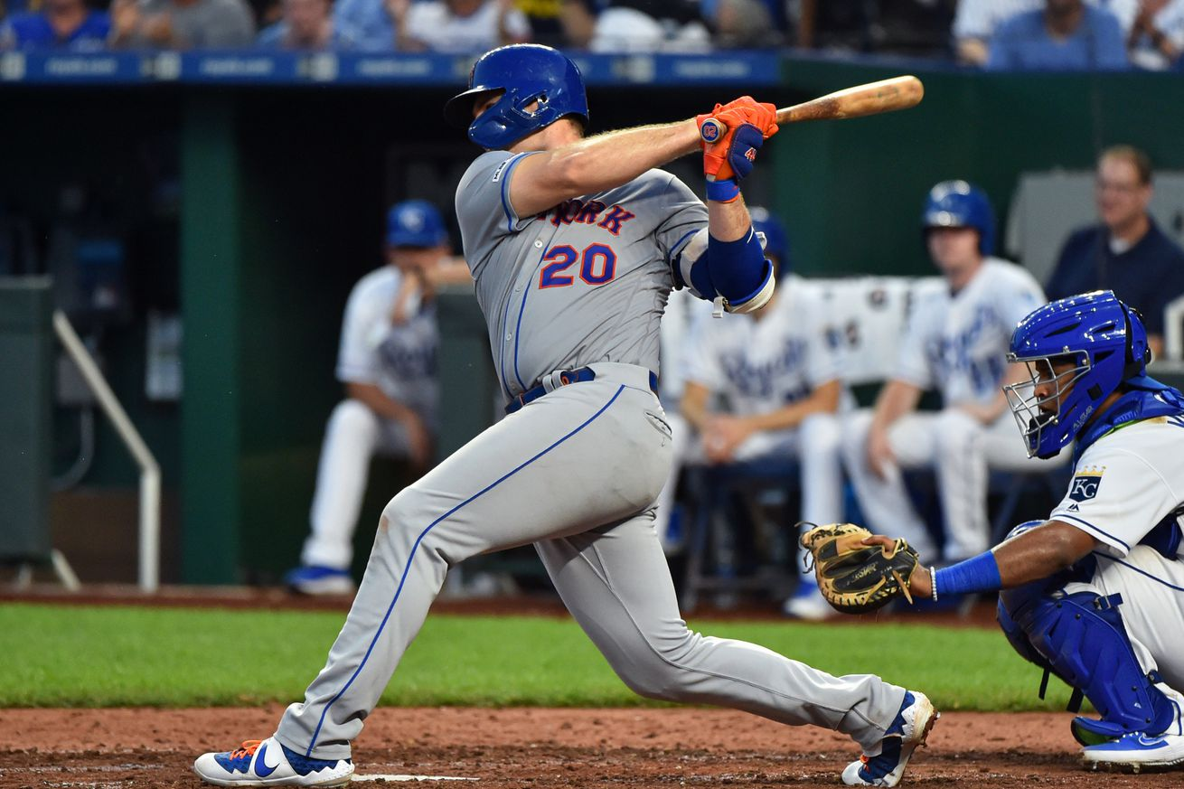 Pete Alonso breaks home run record for National League rookies