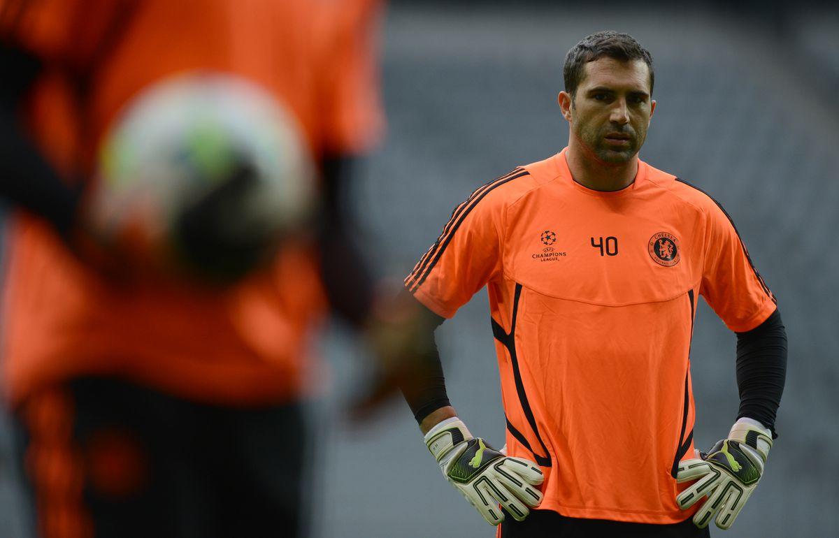 Chelsea's Portugese goalkeeper Henrique
