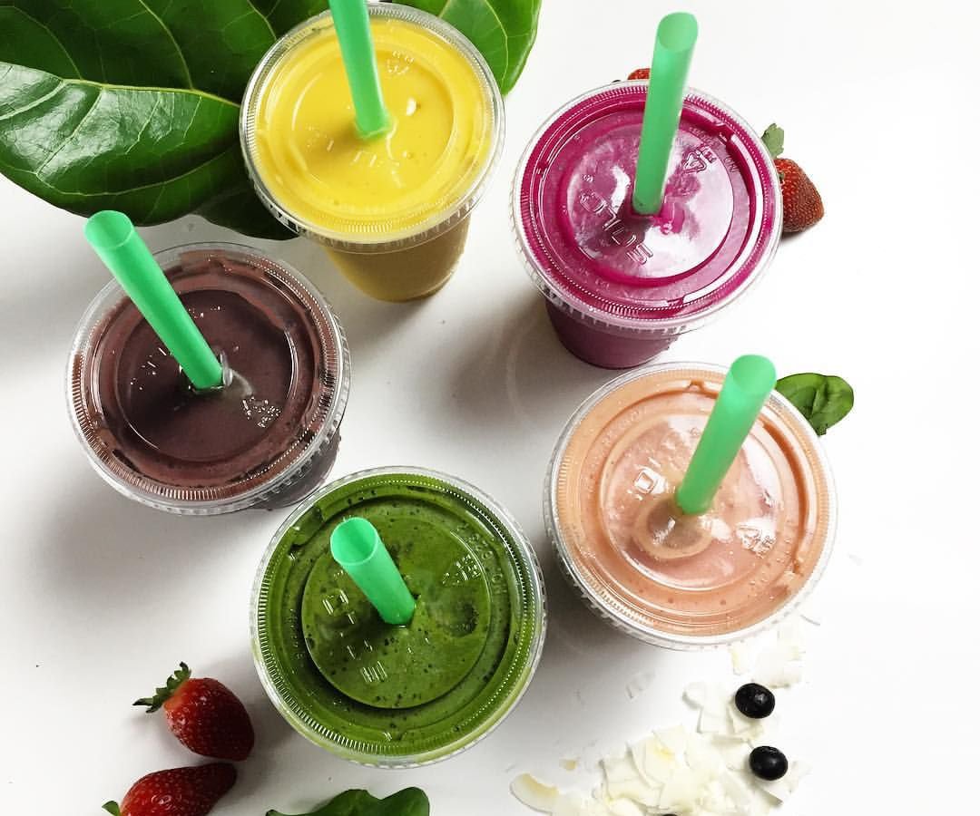 Smoothies from Blenders and Bowls