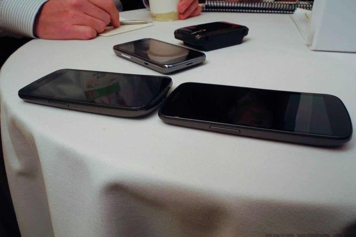 Gallery Photo: Sprint Galaxy Nexus, LG Viper, and Sierra Wireless Tri-Network Hotspot hands-on