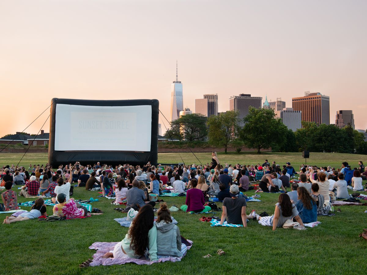 Bucket List Films Must See Movies Rooftop Film Club >> New York S Best Outdoor Movie Screenings This Summer Curbed Ny
