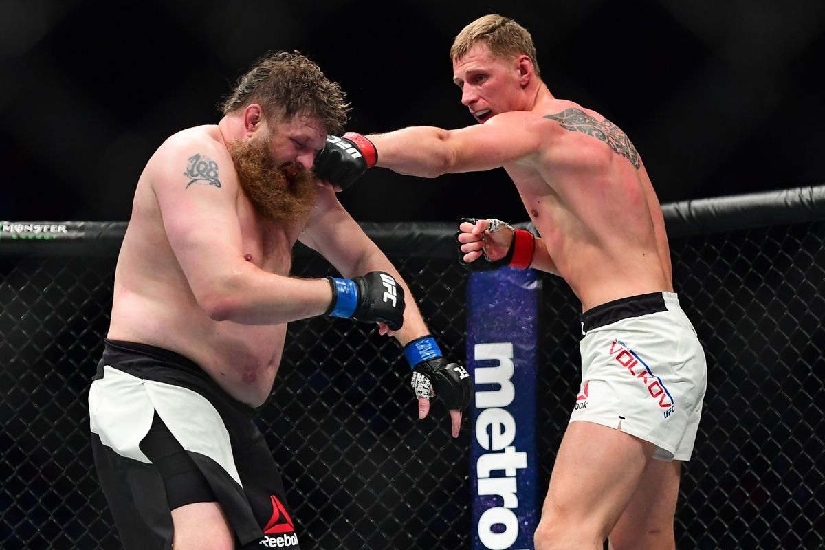 Alexander Volkov stops Stefan Struve in the main event at UFC Rotterdam