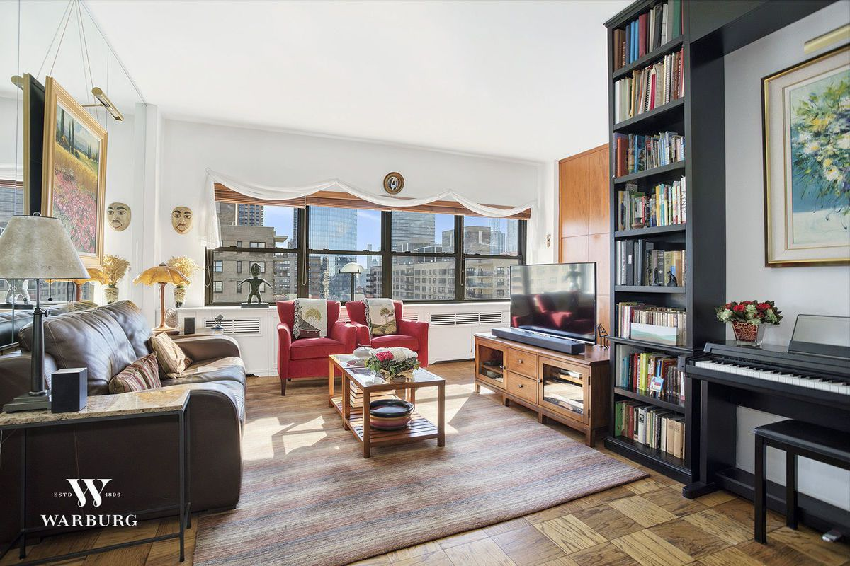 how much for a bright alcove studio on the upper west side curbed ny. Black Bedroom Furniture Sets. Home Design Ideas