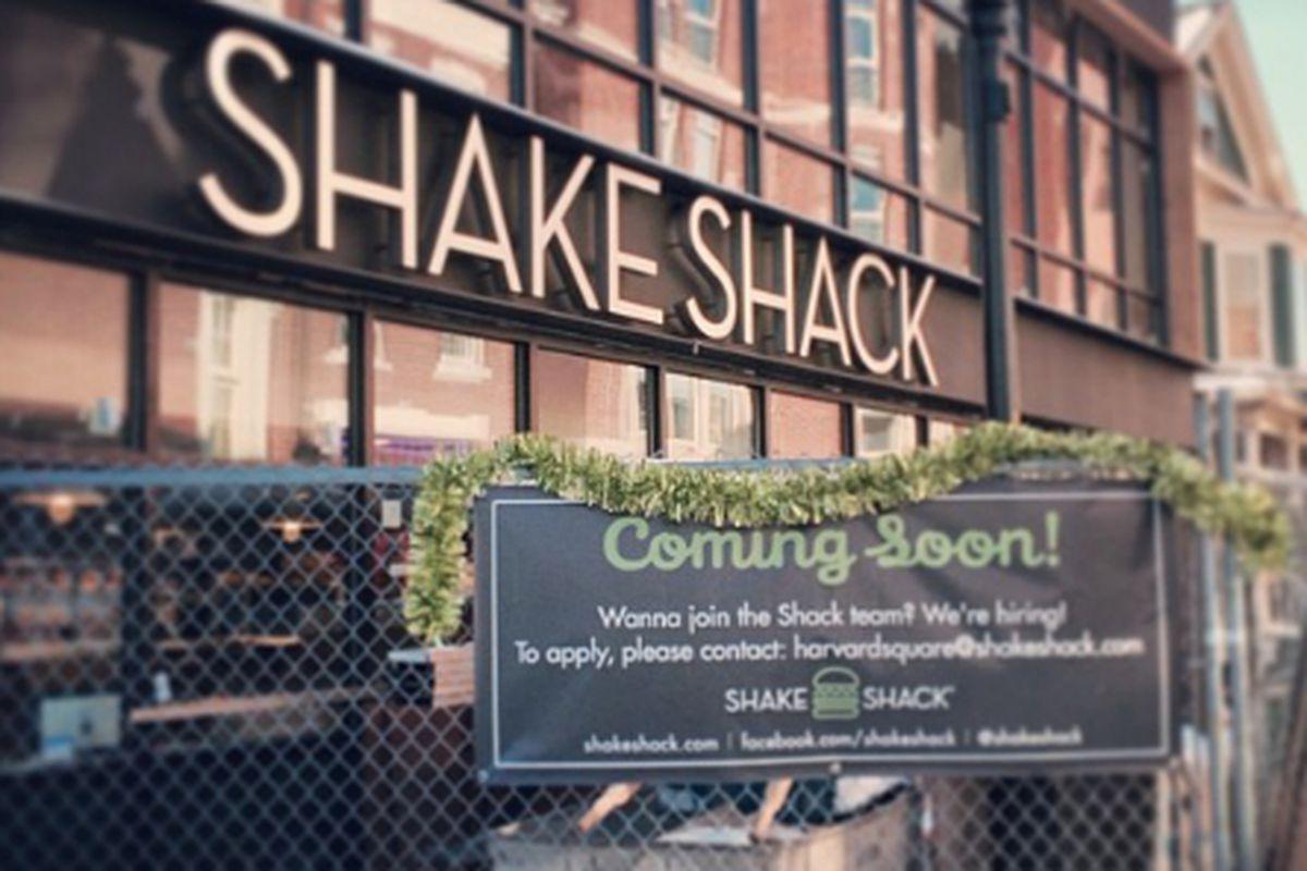 Shake Shack Harvard Square Opens - Eater Boston