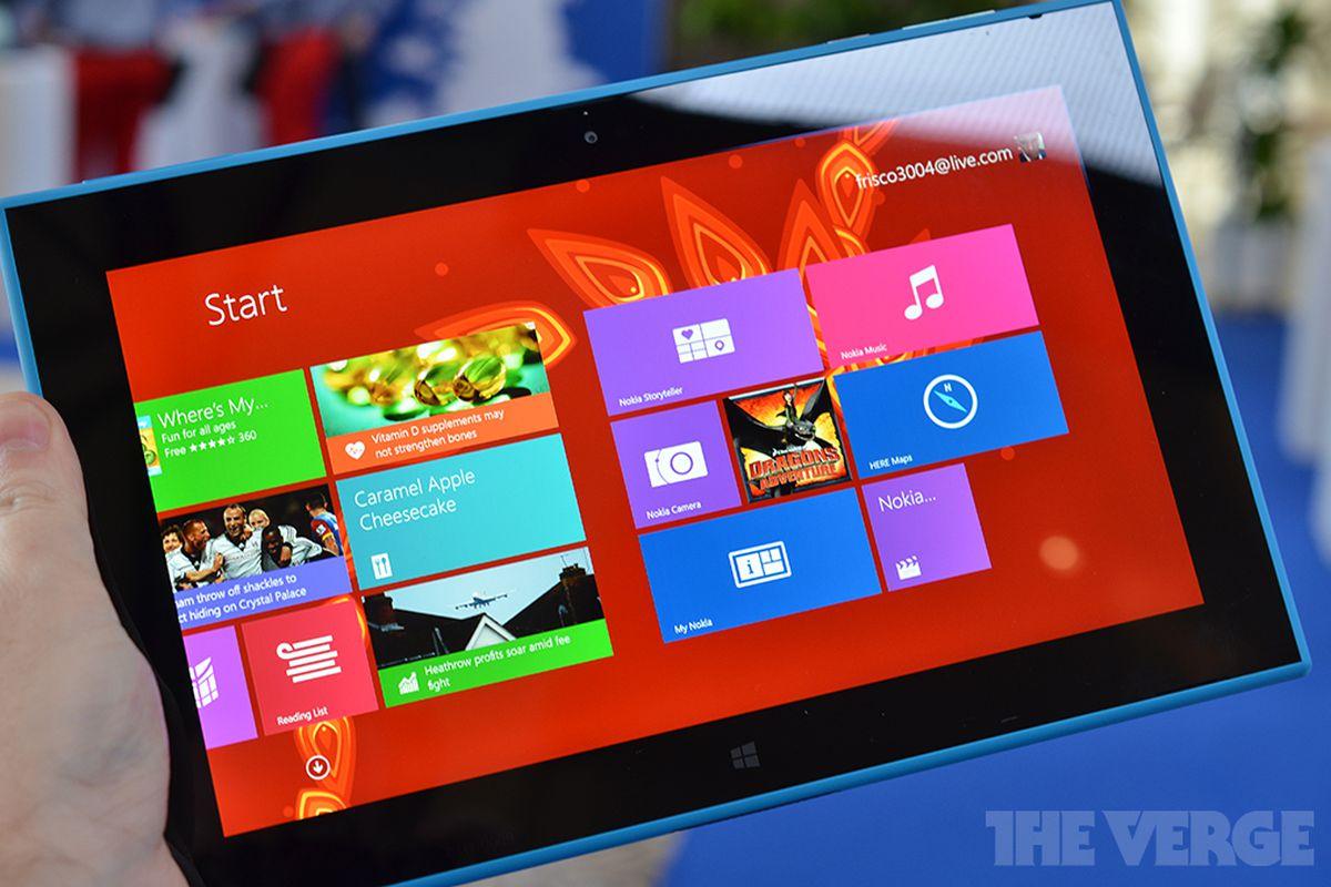 Gallery Photo: Nokia Lumia 2520 hands-on photos