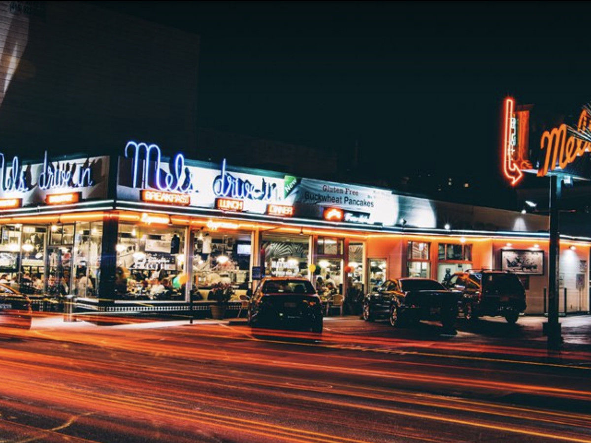 Exterior Mel's Drive-In