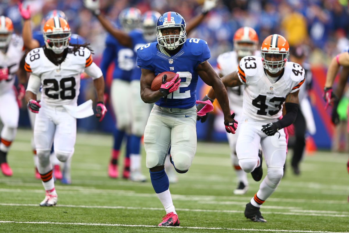 David Wilson scores a touchdown against the Cleveland Browns.