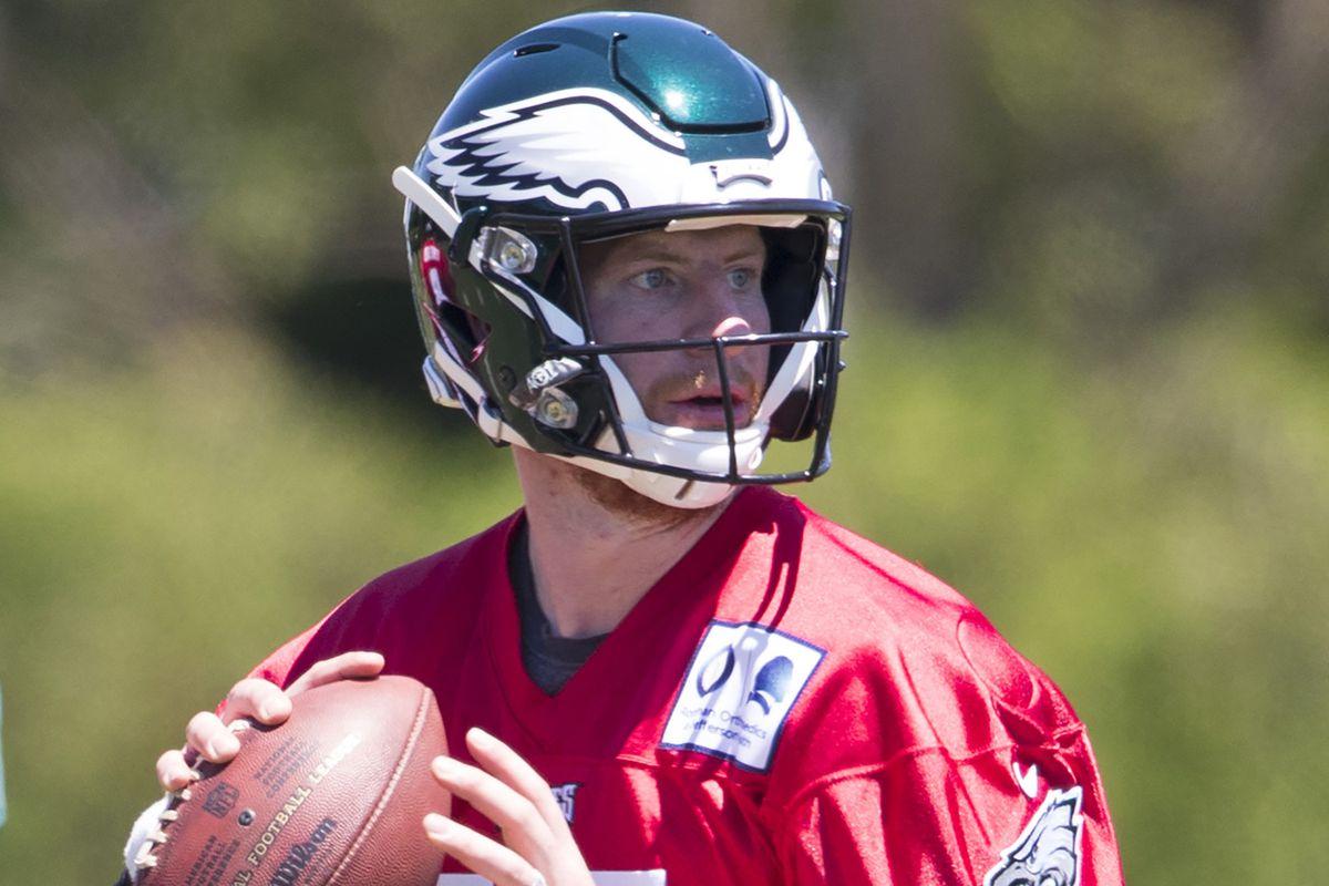 los angeles 1b022 e3459 Eagles Training Camp Practice Notes: Carson Wentz looks ...