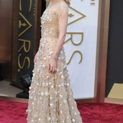 Cate Blanchett looked stunning in an Armani Prive with Swarovski beads. Head over to Via Bellagio for Armani fashions.
