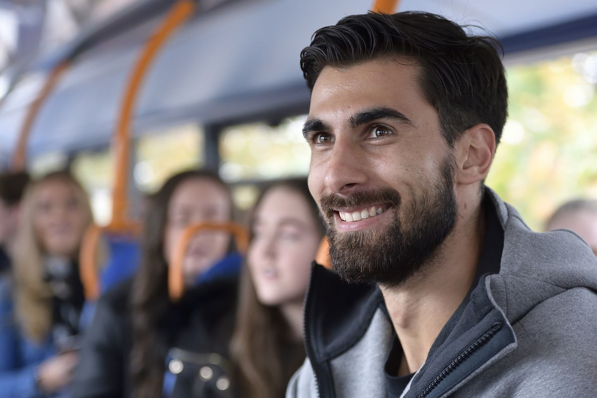 Andre Gomes Of Everton Surprises A Young Everton Fan