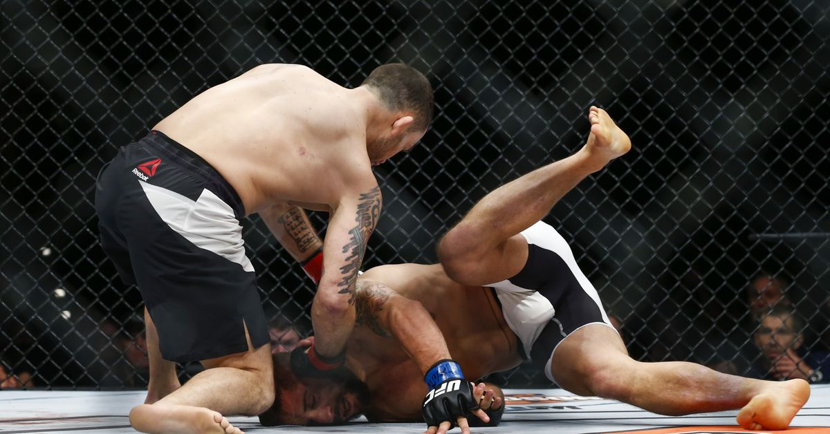 UFC full fight video: Frankie Edgar punches way to title shot with KO of Chad Mendes
