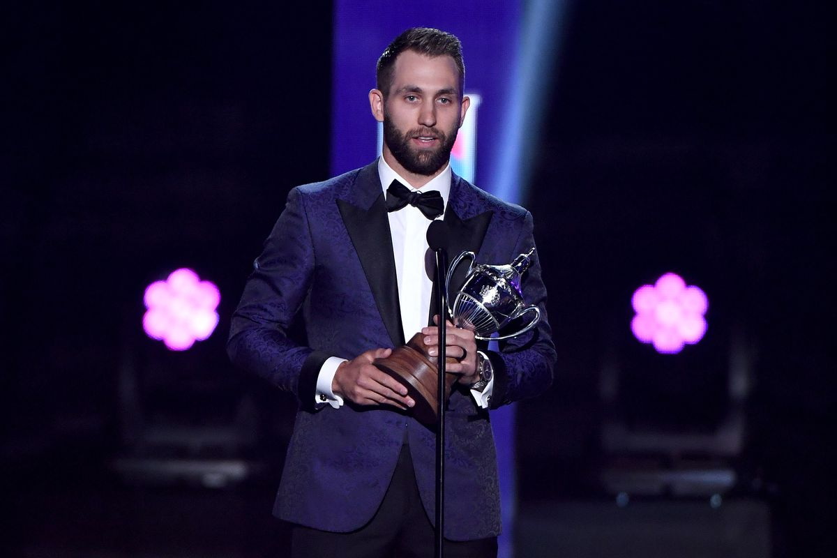 Jason Zucker S King Clancy Award Reminds Us Of What S Important