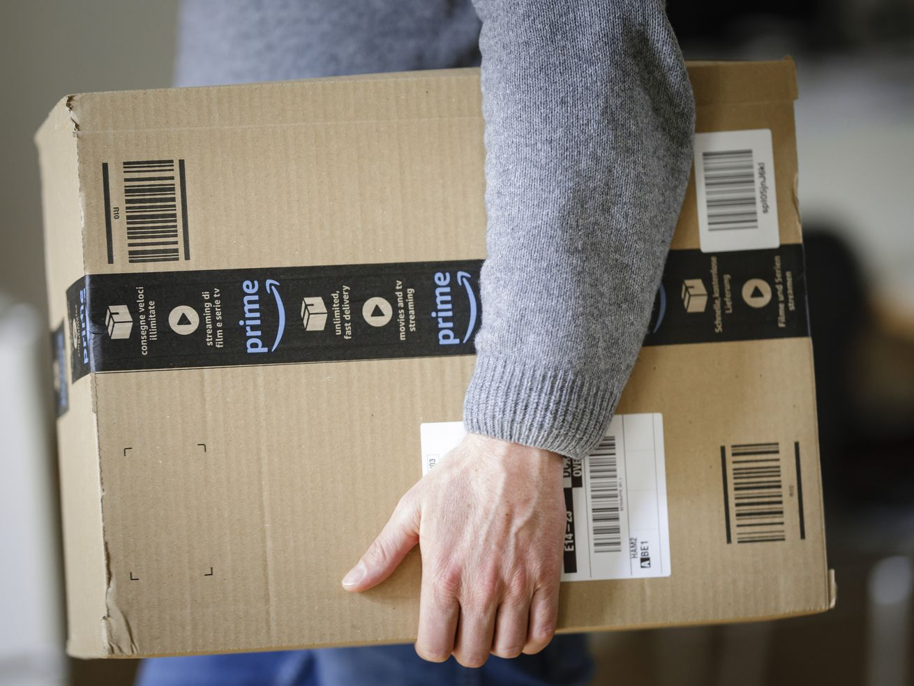 Amazon ousted thousands of merchants with no notice — showing the danger of relying on the shopping platform