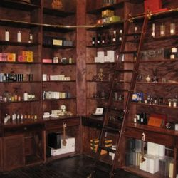 MiN's plethura of men's products.