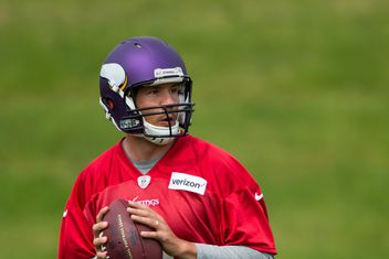 f9be5e3d54c Could Offensive Coordinator Consistency Be The Key For Sam Bradford In 2017?