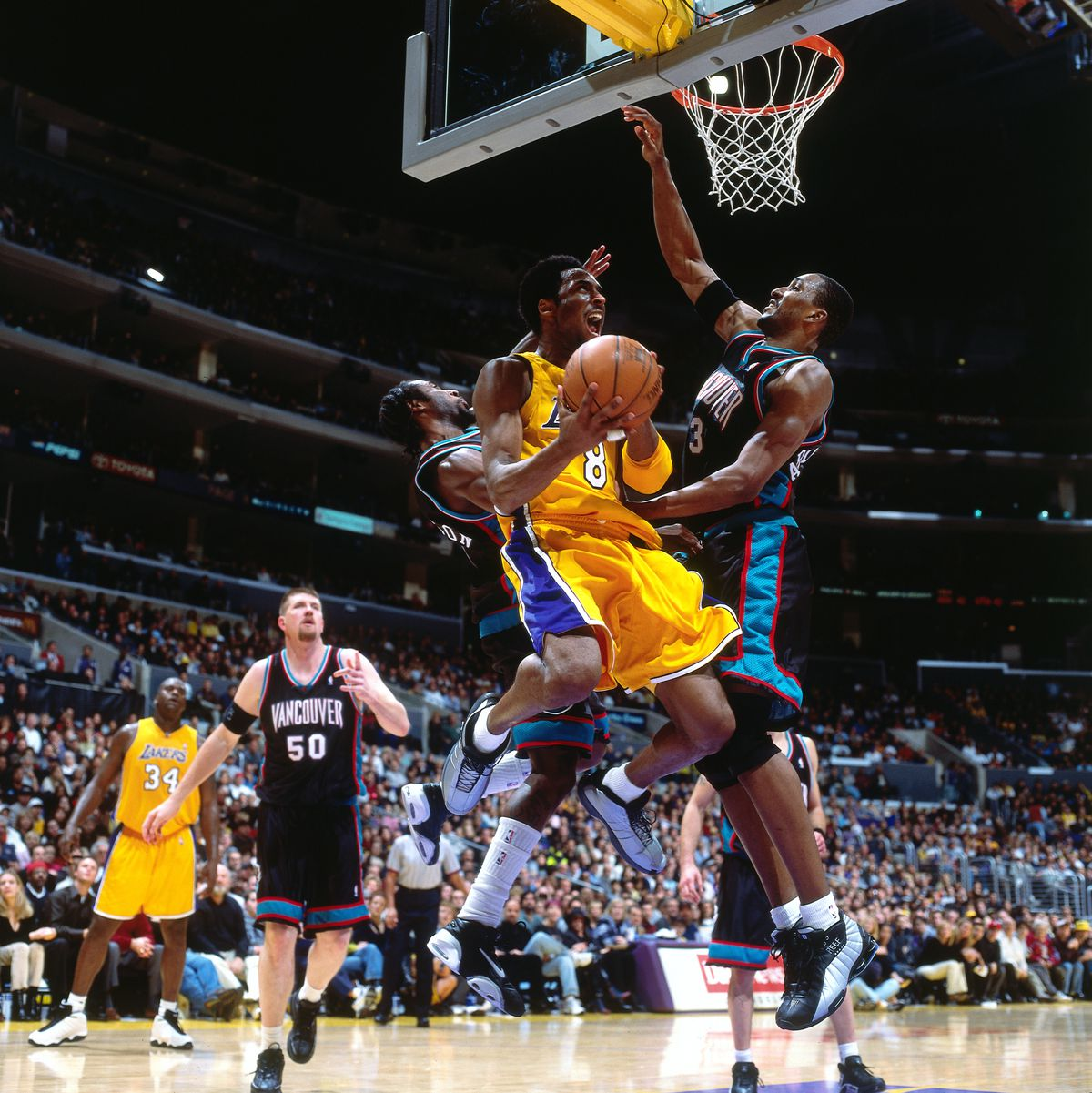 Vancouver Grizzlies v Los Angeles Lakers
