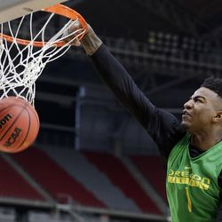 Oregon's Jordan Bell dunks during a practice session for the Ducks' NCAA Final Four tournamentsemifinal game Friday, March 31, 2017, in Glendale, Ariz. Bell was in Utah working out for Jazz brass Monday at Zions Bank Basketball Center.