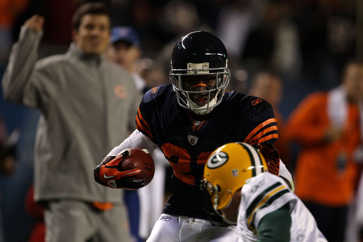 Devin Hester of the Chicago Bears returns a punt 62 yards for a touchdown in the fourth quarter against the Green Bay Packers at Soldier Field in Chicago, Illinois. (Photo by Jonathan Daniel/Getty Images)