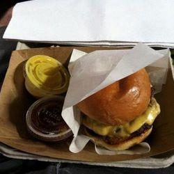 "The burger [Photo: <a href=""https://twitter.com/BigGame790/status/318892956889255937"">Glenn Warren/@BigGame790</a>]"